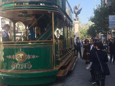 ①3日目ロサンゼルスにて おしゃれな二階建て電車で移動