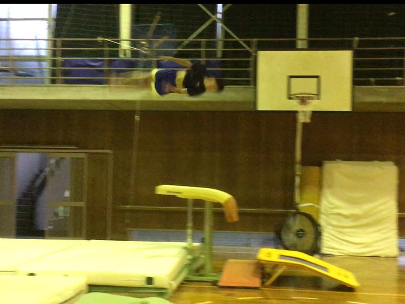 跳馬伸身カサマツ跳びの練習
