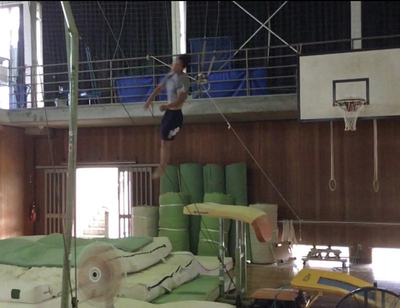 跳馬伸身カサマツ跳びの練習②