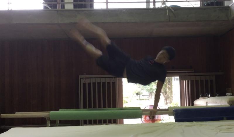 平行棒ツイスト練習